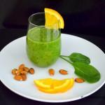 смузи из апельсина и шпината