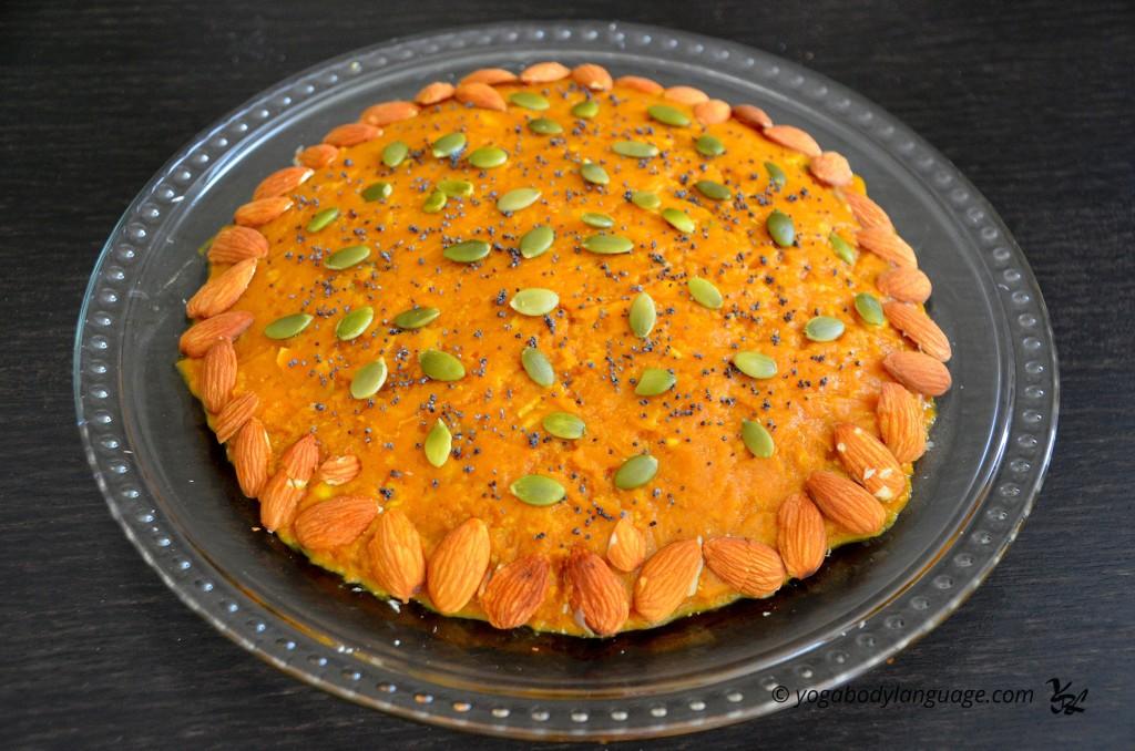 Сыроедческий тыквенный пирог